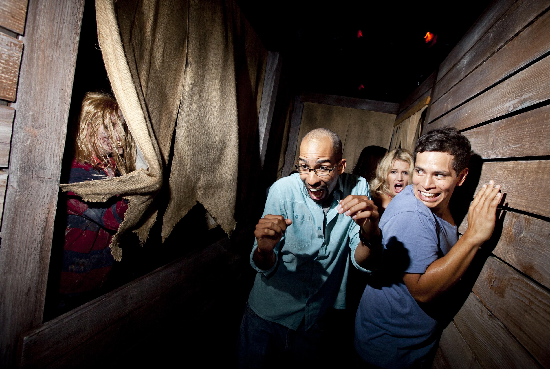 surviving universal studios' 'halloween horror nights' – hs insider