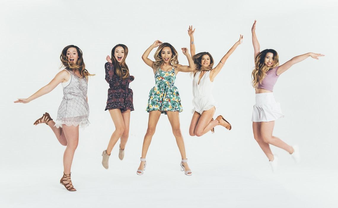 fullscreen live girls night in tour Girls Night In Girls