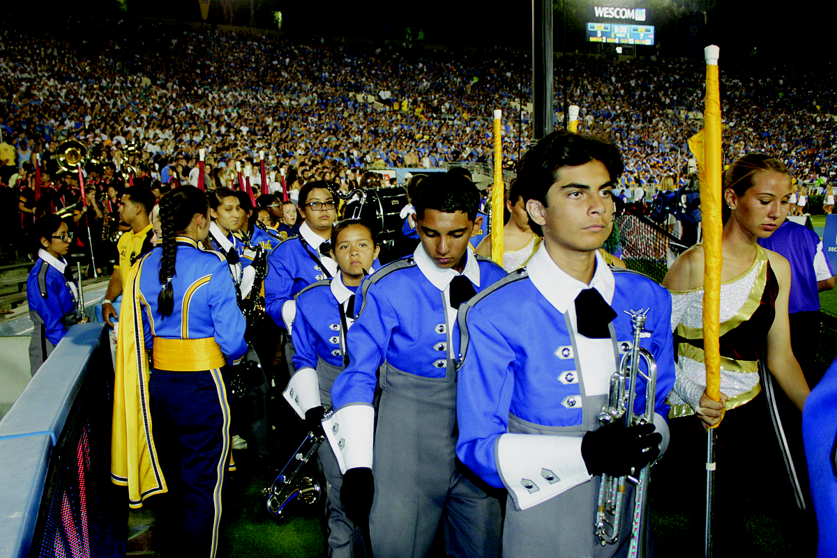 band El Rancho High marching band performs at the Rose Bowl