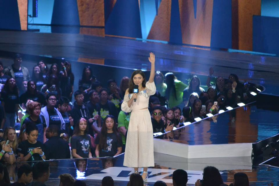 12920301 986530904764303 4970972652082294748 n WE Day 2016: Uniting celebrities and students