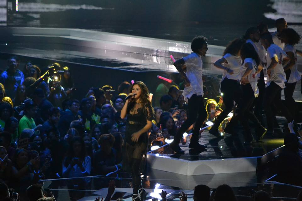 12963778 986530828097644 4175706421484726698 n WE Day 2016: Uniting celebrities and students