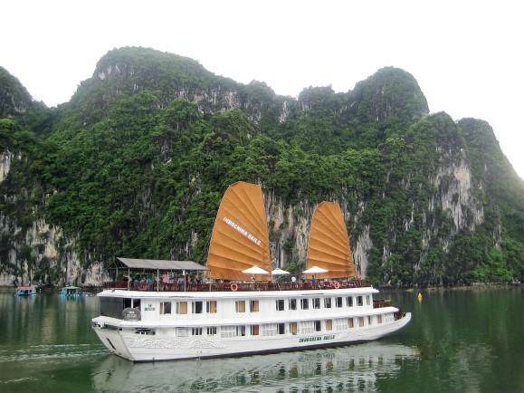 Junk Boat Cruise
