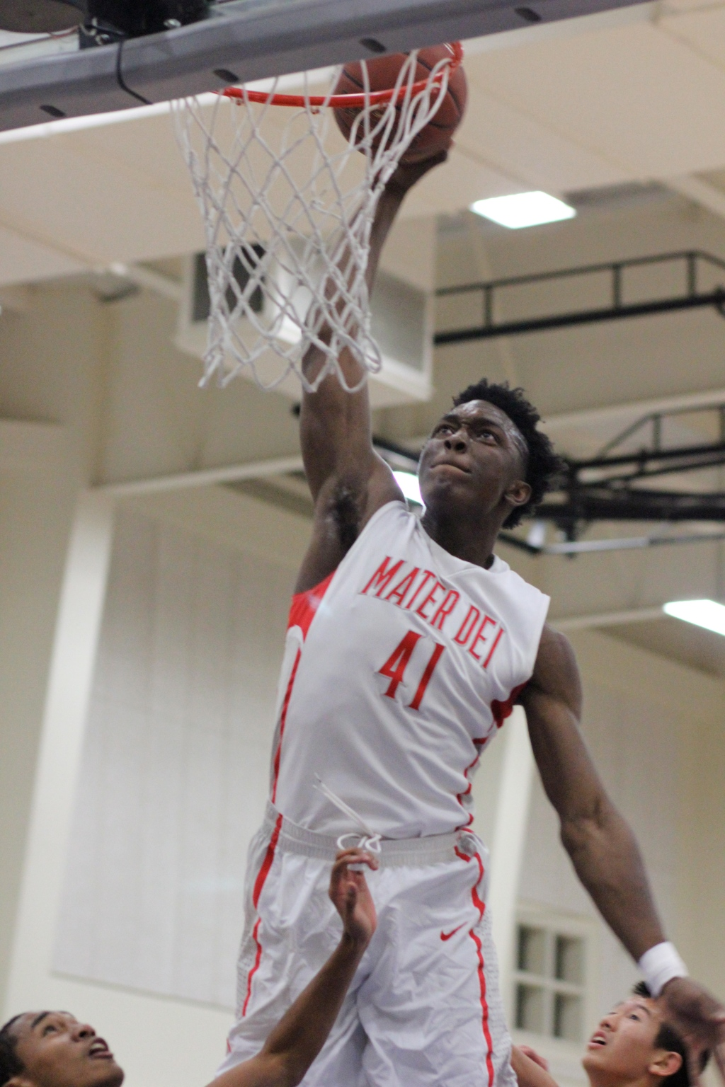 Stanley Johnson soars above the rim for the Mater Dei Monarchs.