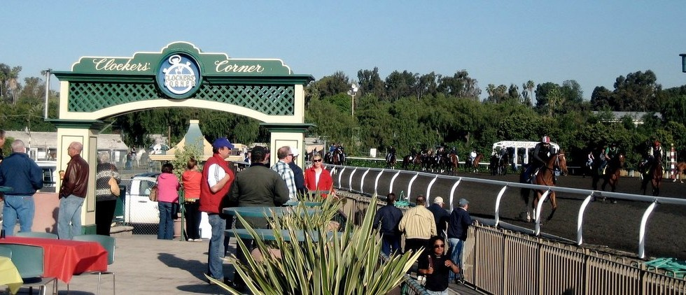clockerscorner 980x422 Enjoy a race while dining at the Clockers Corner