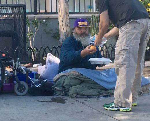 screen shot 2016 11 24 at 5 10 13 pm The biggest potluck party in the country: Gobble Gobble Give brings meals and magic to L.A. homeless