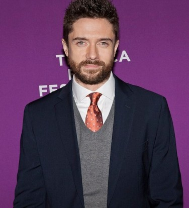 topher grace giant mechanical man premiere 2   copy Laura Harrier and Topher Grace from BlacKkKlansman share their experience on this groundbreaking film