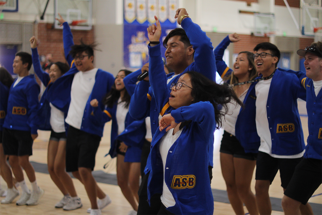9a5ef86e4a ASB students introduce themselves as leaders of the school. (Photo by John  Le) Fountain Valley High School