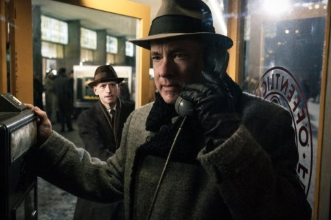 Review: Bridge of Spies — How Spielberg masterfully crafts a telling story of the prisoner exchange